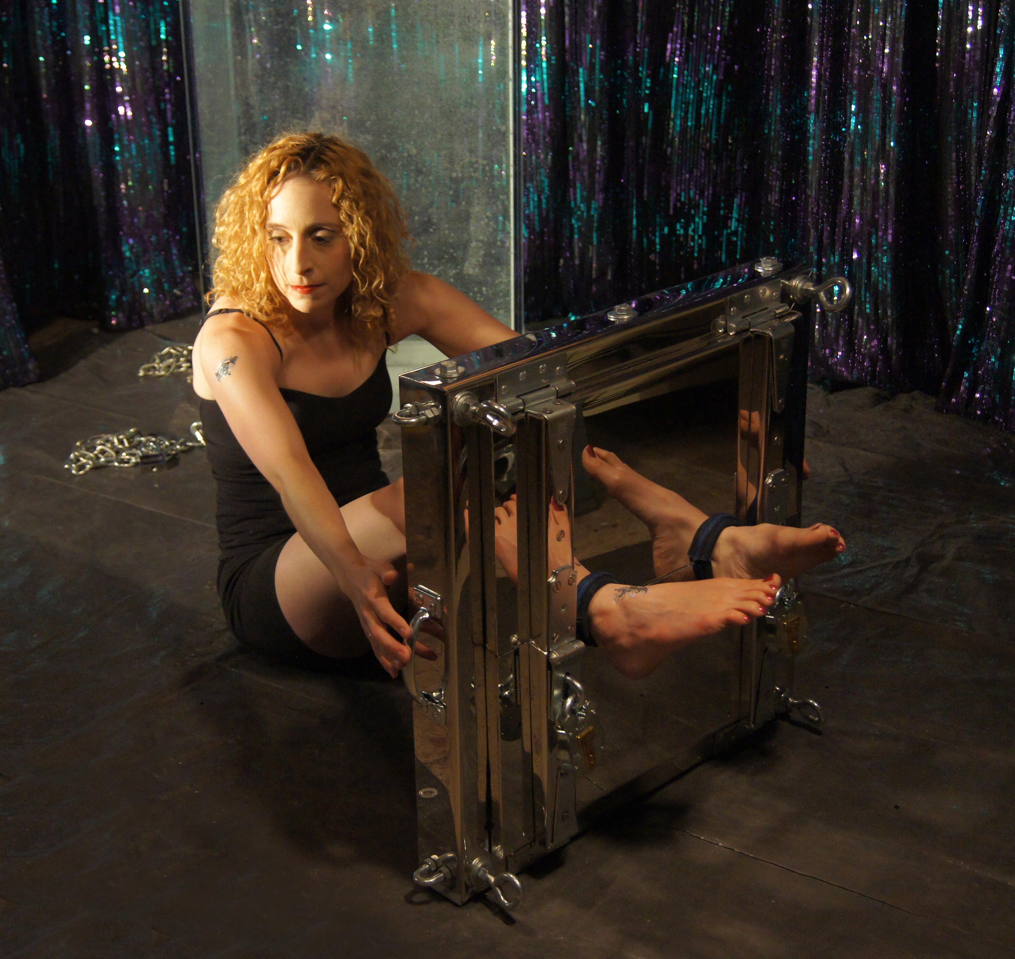 Torture rack girl sex clip